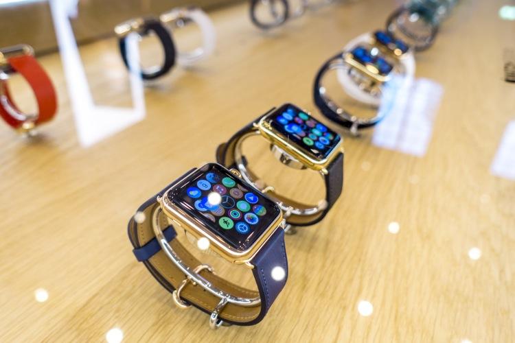 iPhone 6s発売日、  Appleストア・ベルリンは長蛇の列だった! Apple ガジェット ベルリン