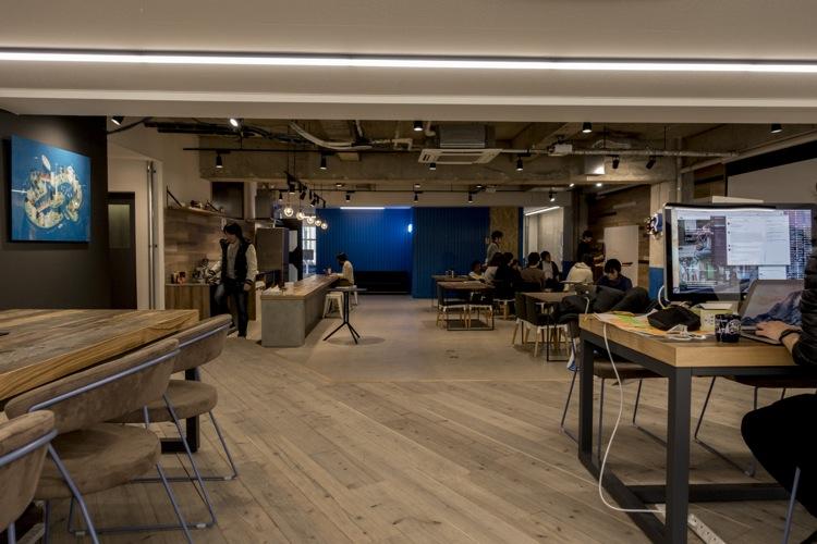 新オフィス。広々していて、海外のコワーキングスペースのようでした