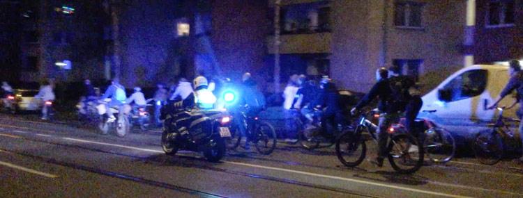 クリティカル・マス・ベルリンという自転車デモ ベルリン 自転車