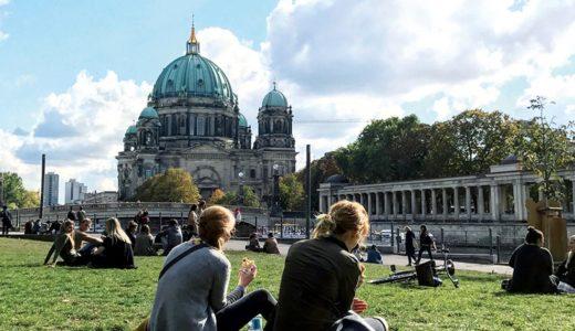 ベルリンの友人でありイラストレーターの  たなか鮎子さんのベルリン生活に関するインタビュー